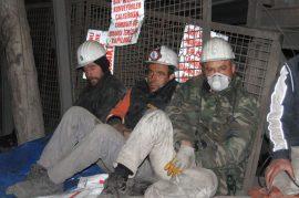 maden-iscileri-yerin-1200-metre-altinda-aclik-grevinde_8799_dhaphoto7